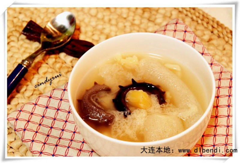 海参瑶柱竹荪汤